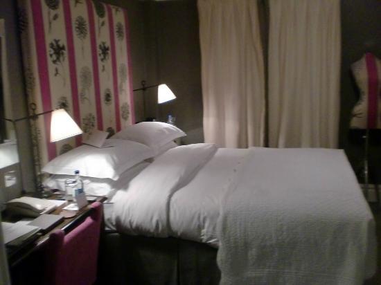 Knightsbridge Hotel: Habitación