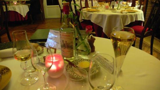 Le Manoir du Soleil d'Or: Présentation de la table