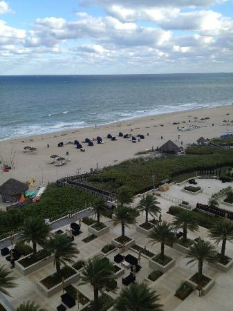 Fort Lauderdale Marriott Harbor Beach Resort & Spa: View from room
