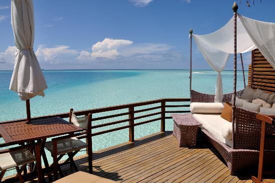 Baros Maldives: Terrace in water villa (310)