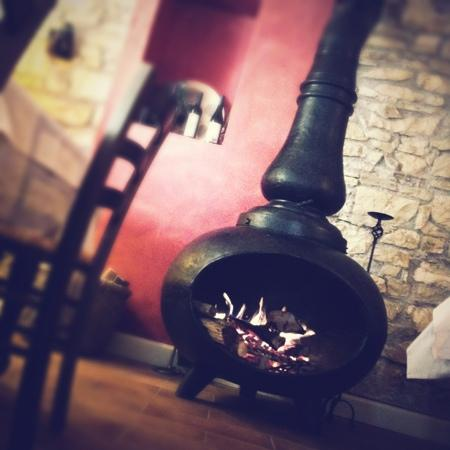 Il girone dei golosi: posto curato, ottima cucina, ricerca del gusto, buona cantina, prezzi giusti. consigliatissimo.