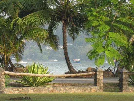 Blue Lagoon Chalets: Blick aus einem Bungalow