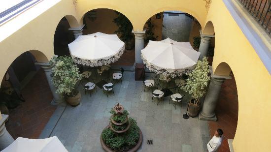 Hostal de la Noria: Blick in den Innenhof des La Noria Hotel