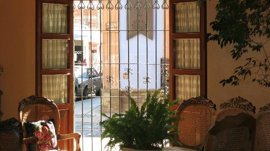 Hostal de la Noria: Blick in den Empfang des La Noria Hotel