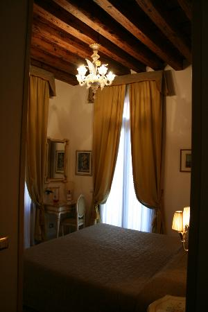 Apostoli Palace: Our room