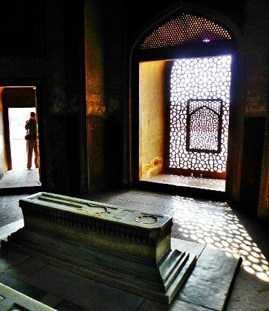 Inside the Mausoleum - Picture of Humayun's Tomb, New ...