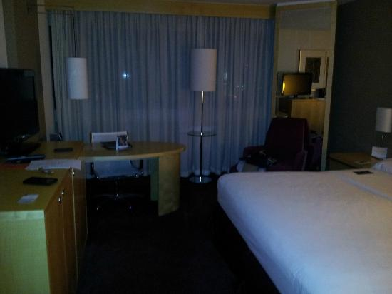 Sheraton Frankfurt Airport Hotel & Conference Center: Room