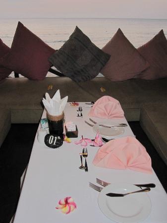 Puri Mas Boutique Resort & Spa: romantisches Abendessen