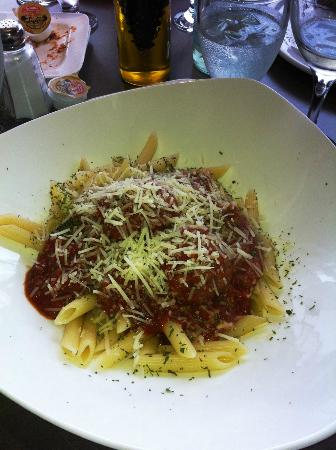 Casa Rugantino Italian Restaurant: Penne with meatballs and fresh parm at Casa Rugantino