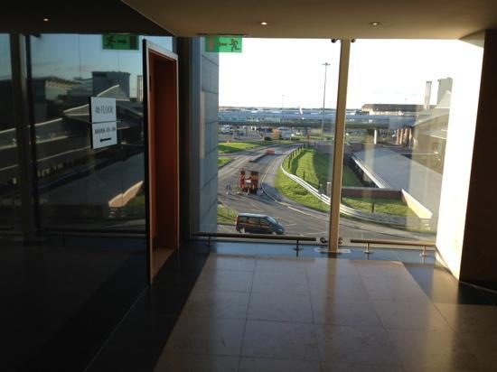 Clayton Hotel Manchester Airport: Vista dal quarto piano sull'aeroporto