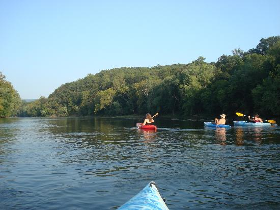 Watermelon Park Campground: Kayaking