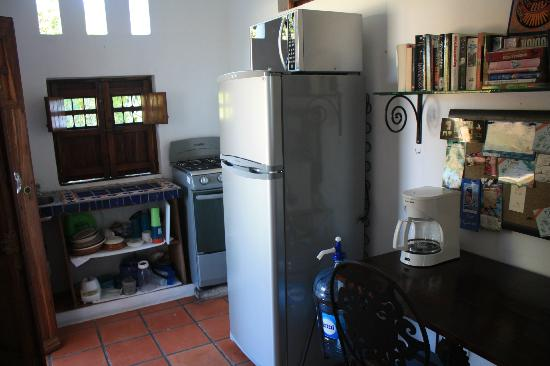 Tamarindo Bed and Breakfast: Shared kitchen