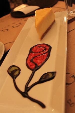 Nevsa Cafe & Restaurant : The best orange cheesecake...