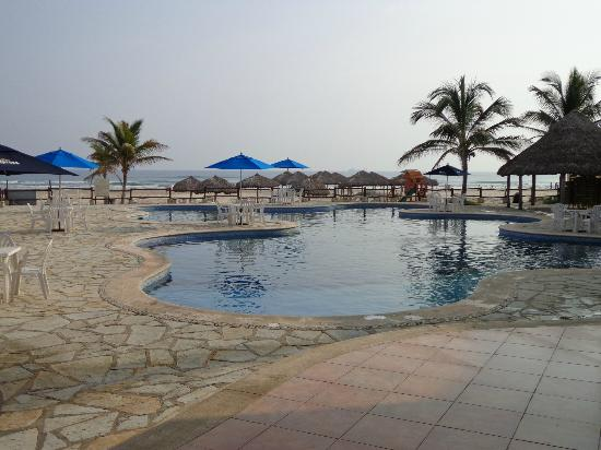 Arenas del Mar: One of two Hotel swimming pools