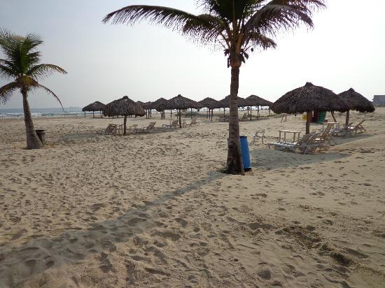 Arenas del Mar: Beach