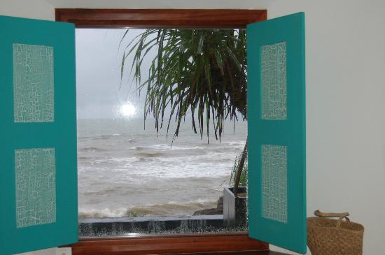 Jetwing Lighthouse : beautiful...but raining...