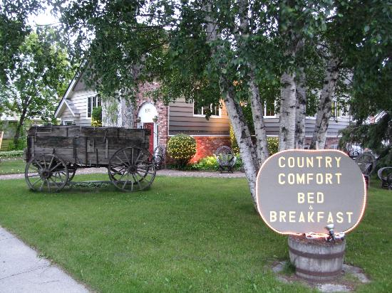 Country Comfort Bed & Breakfast: Comfortable B&B - June 2012