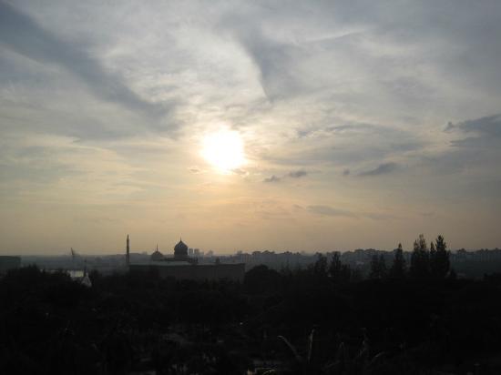 Putrajaya Shangri-La: Sunset view