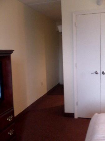 Best Western PLUS Genetti Hotel & Conference Center: From bed, to closet, to dingy hall