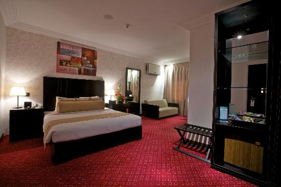 Summerset Continental Hotel: This is the Deluxe Room