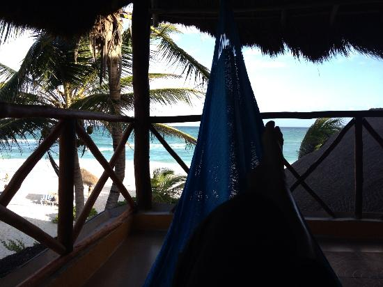 Tita Tulum Hotel Ecologico: Relax in the hammock by the way every cabin has 2 hammocks most other resorts only has one