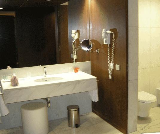 Pousada Palacio de Estoi: Wash basin