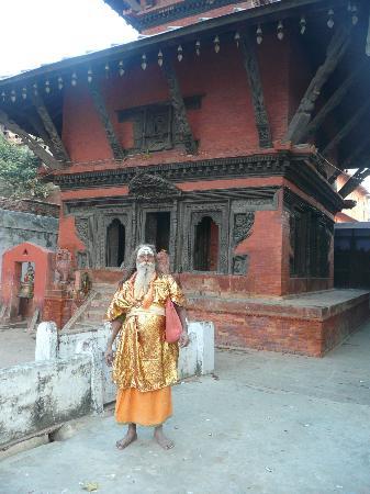 Nepali Temple (Kathwala Temple) : portada del templo