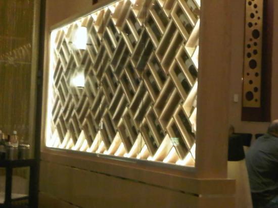 Hotel Riu Plaza Guadalajara: Chardonnay wine rack