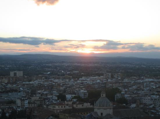 Alhambra Palace Hotel: View from the bar at sunset