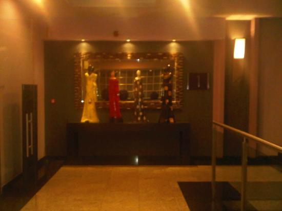Hotel Riu Plaza Guadalajara: stairway