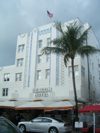 Beacon South Beach Hotel: Ocean Dr.