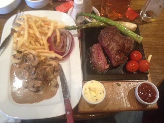 The Coach Inn: Steak on the Stone - delicious!