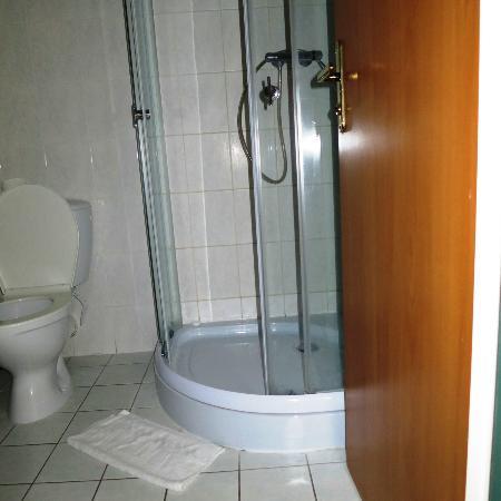 Hotel Kyjovský Pivovar: shower