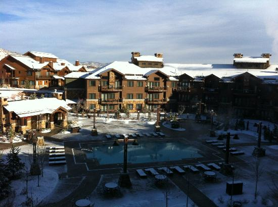 Waldorf Astoria Park City: View from our room on the 7th floor overlooking the pool area