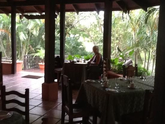 Hotel Borinquen Mountain Resort: Borenquin Breakfast Patio