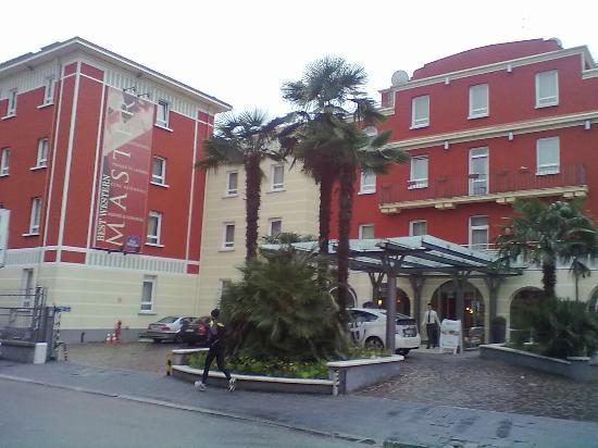 BEST WESTERN Hotel Master: Ingresso Via Apollonio
