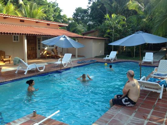 Rancho Los Toros: Beautiful pool area surrounded by rooms