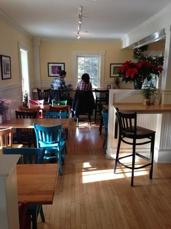 Next Door Bakery and Cafe: Nice sunny, clean cafe