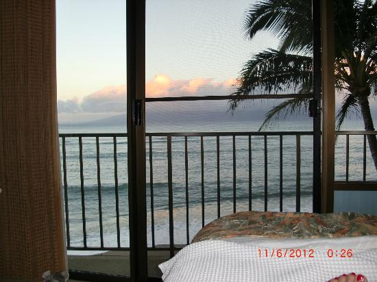 Valley Isle Resort: This is the view you wake up to every morning ....