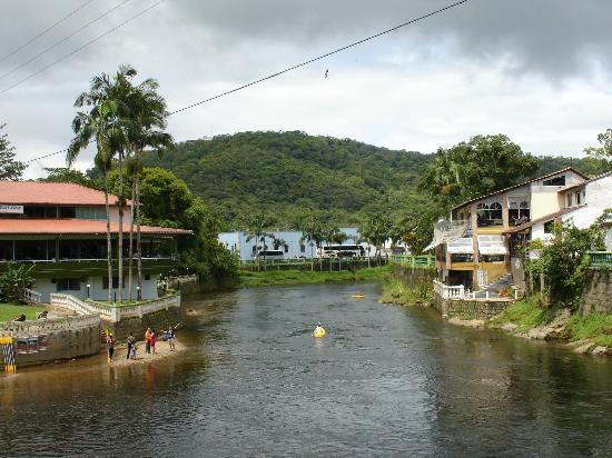Morretes, PR: Rio Nhundiaquara