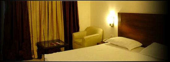 Hotel DPS Inn: Suite
