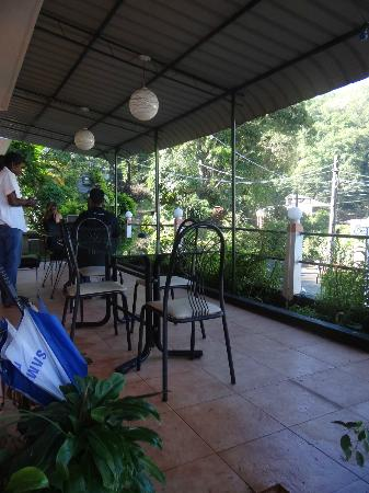 Days Inn-Kandy: Outside dining area....
