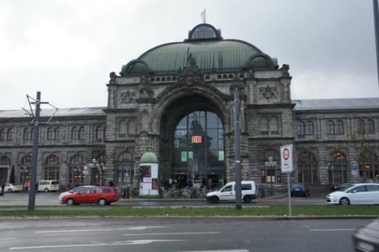 Maritim Hotel Nurnberg: Main Railway Station