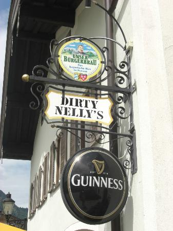 Dirty Nelly's Pub