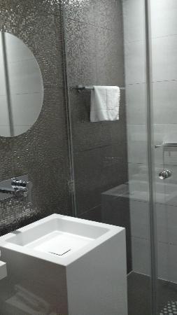 Best Western Plus Rotterdam Airport Hotel: Baño de diseño