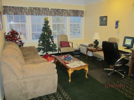 Microtel Inn & Suites by Wyndham Columbia Two Notch Rd Area: Lobby