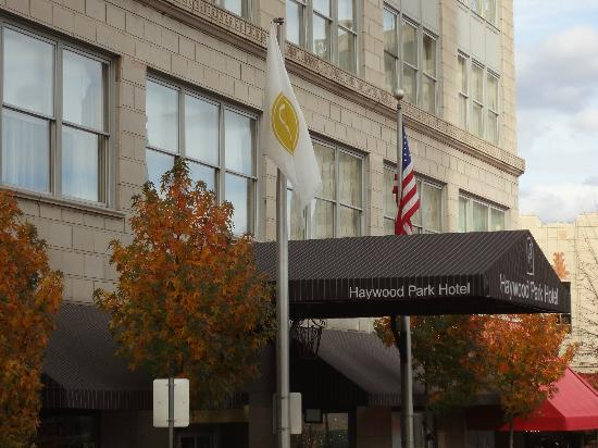 Haywood Park Hotel : Front of Hotel