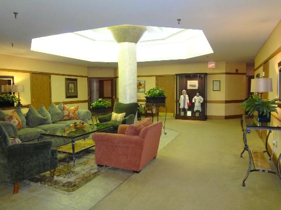 Haywood Park Hotel: Third Floor Sitting Area