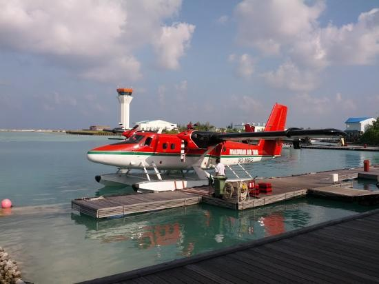 Diamonds Thudufushi: Air Taxi at Male