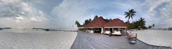 Diamonds Thudufushi: Island Panorama